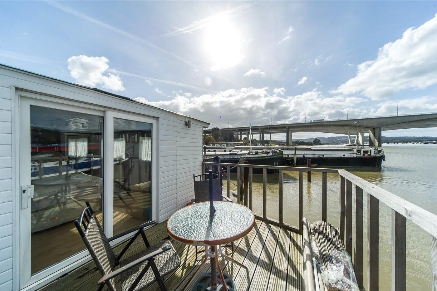 Houseboat Thames Lighter