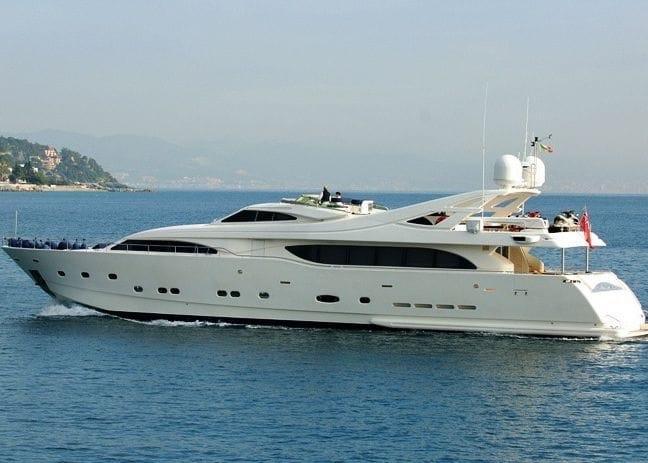 112' Ferretti Yachts 2004