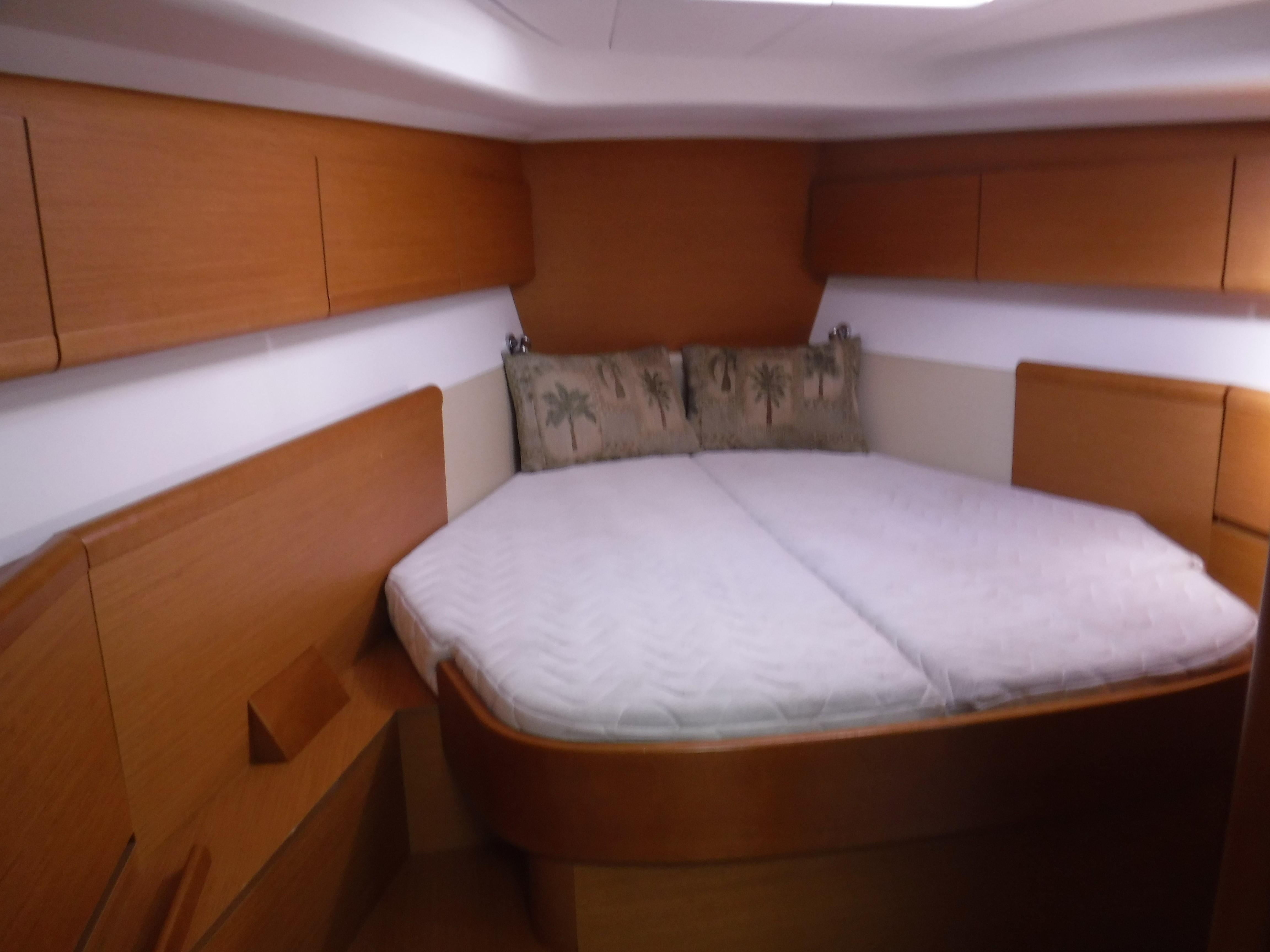 Guest fwd cabin