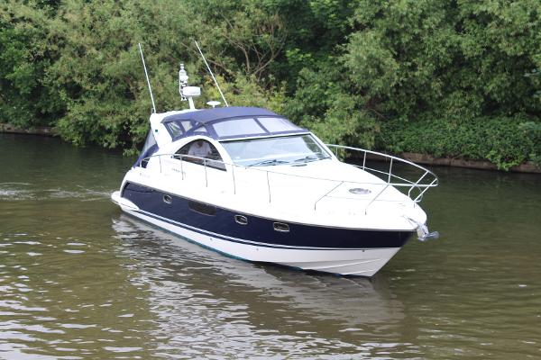 2012 Fairline Targa 38