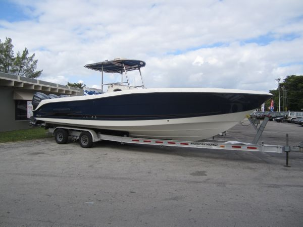 2005 Hydra-Sports 3300 CC Location: Dade US. $95000.00