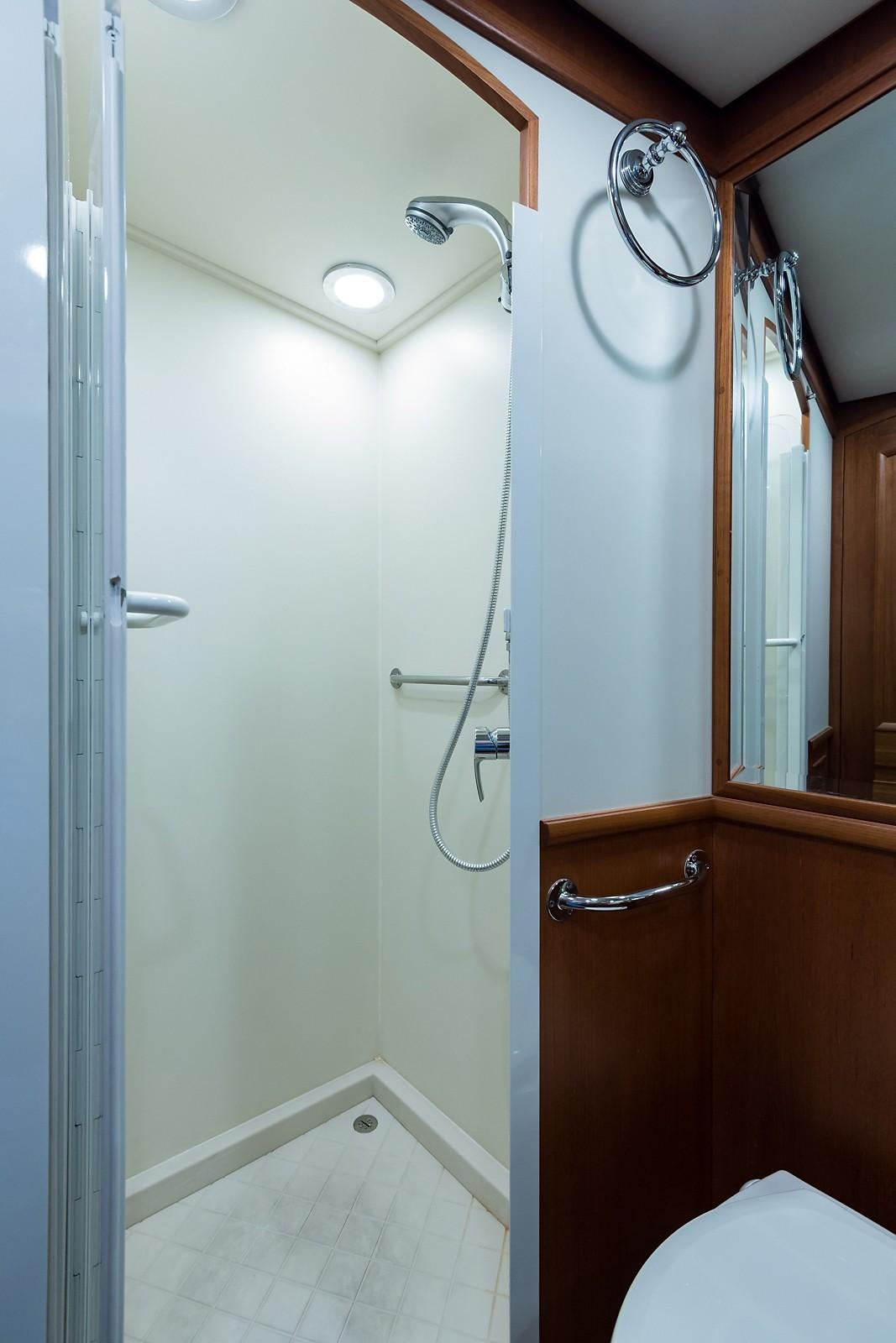 59 Grand Banks VIP Guest Head / Shower