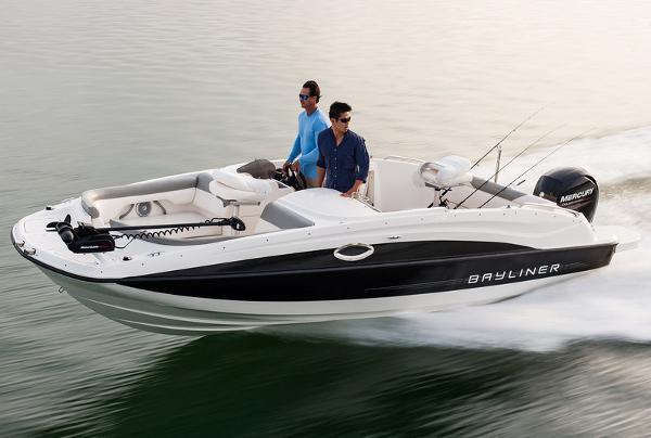 2013 Bayliner 210 Deck Boat