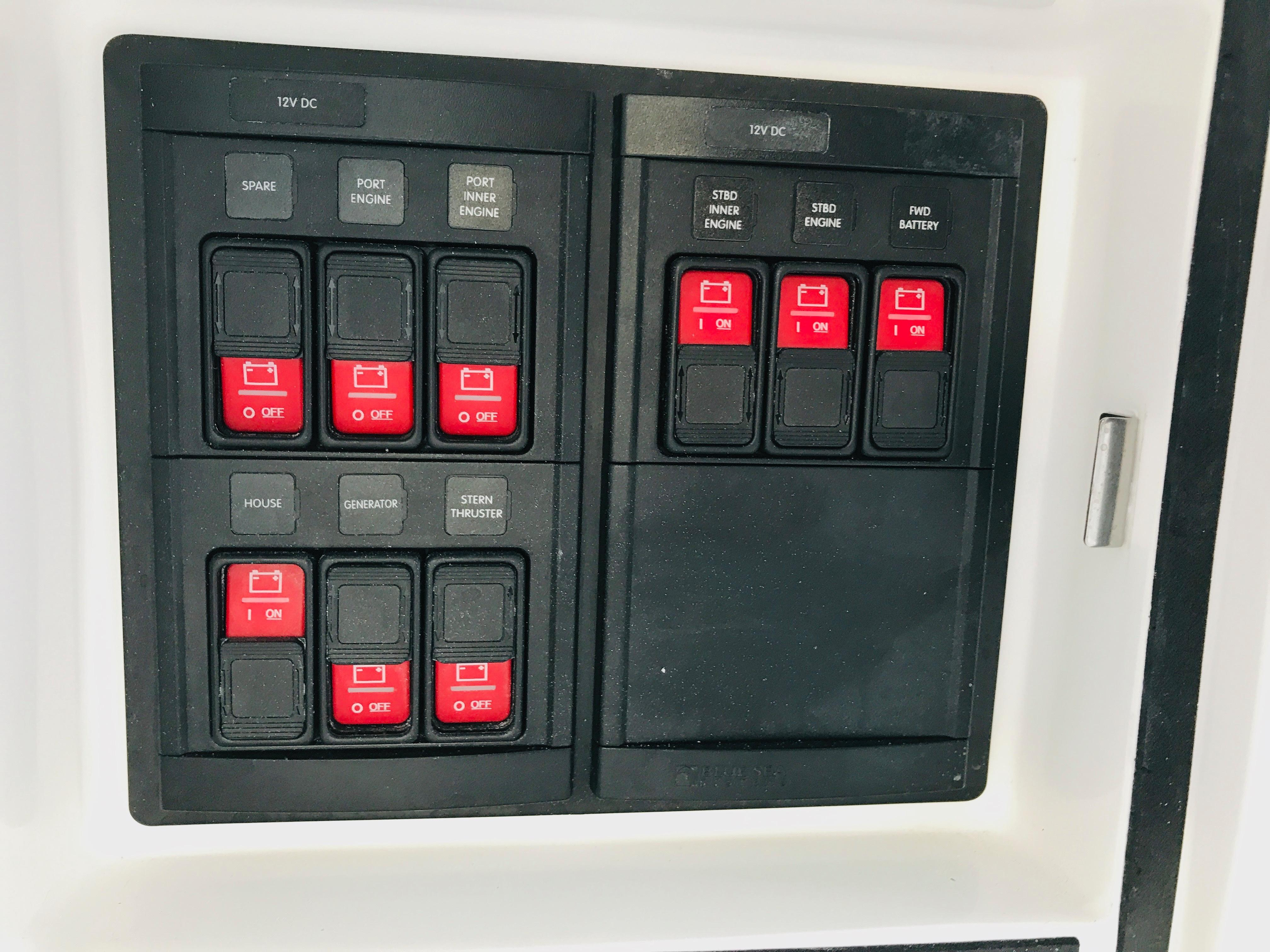 48 Intrepid Battery Switches