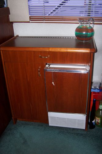 Bar And Icemaker