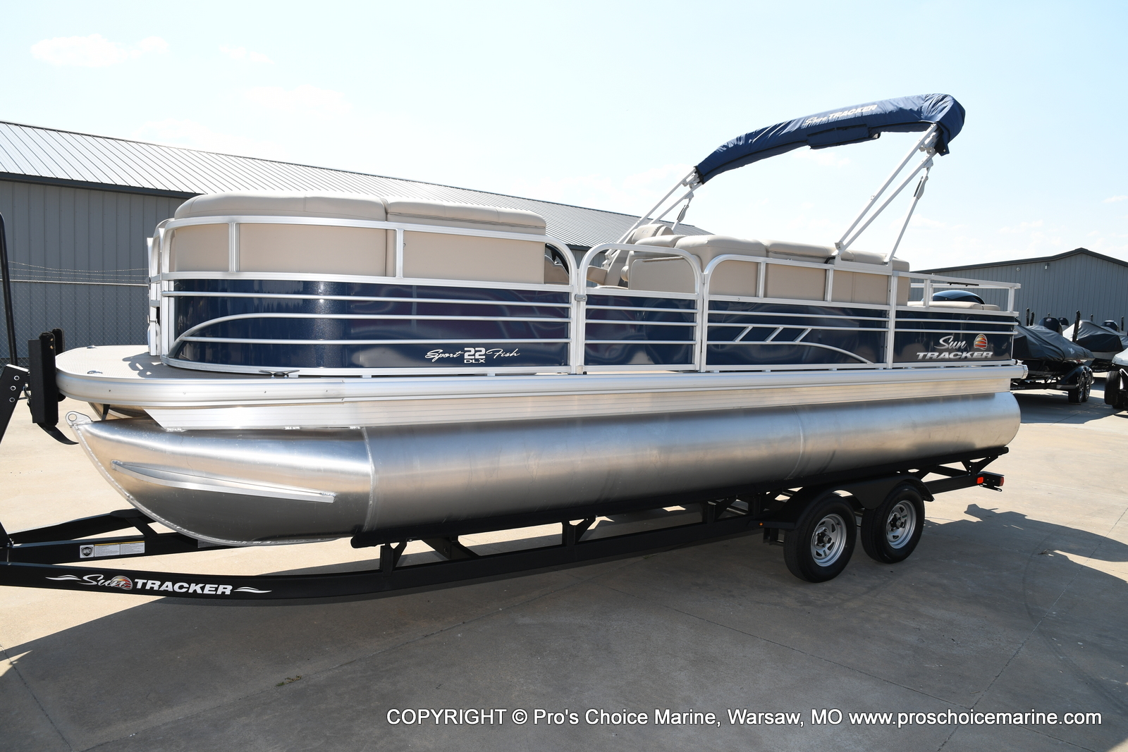 2021 Sun Tracker boat for sale, model of the boat is SPORTFISH 22 DLX w/150 Pro-XS & Image # 22 of 50