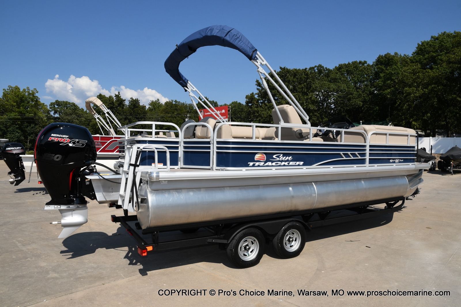 2021 Sun Tracker boat for sale, model of the boat is SPORTFISH 22 DLX w/150 Pro-XS & Image # 30 of 50
