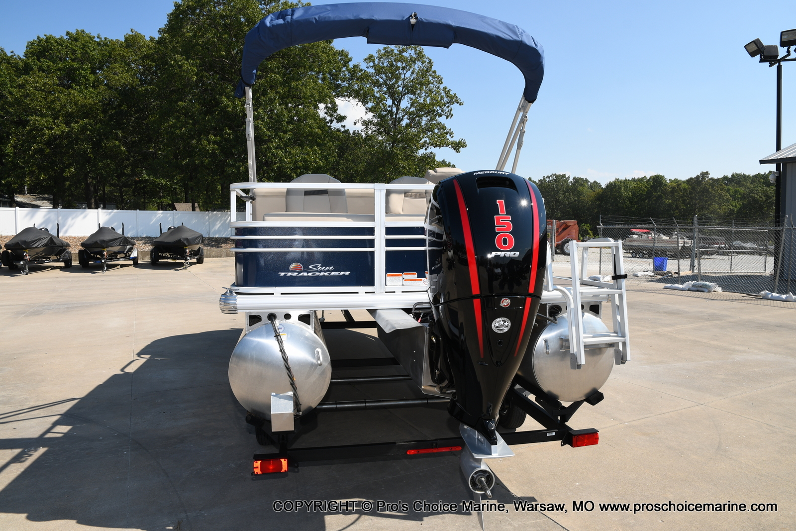 2021 Sun Tracker boat for sale, model of the boat is SPORTFISH 22 DLX w/150 Pro-XS & Image # 31 of 50