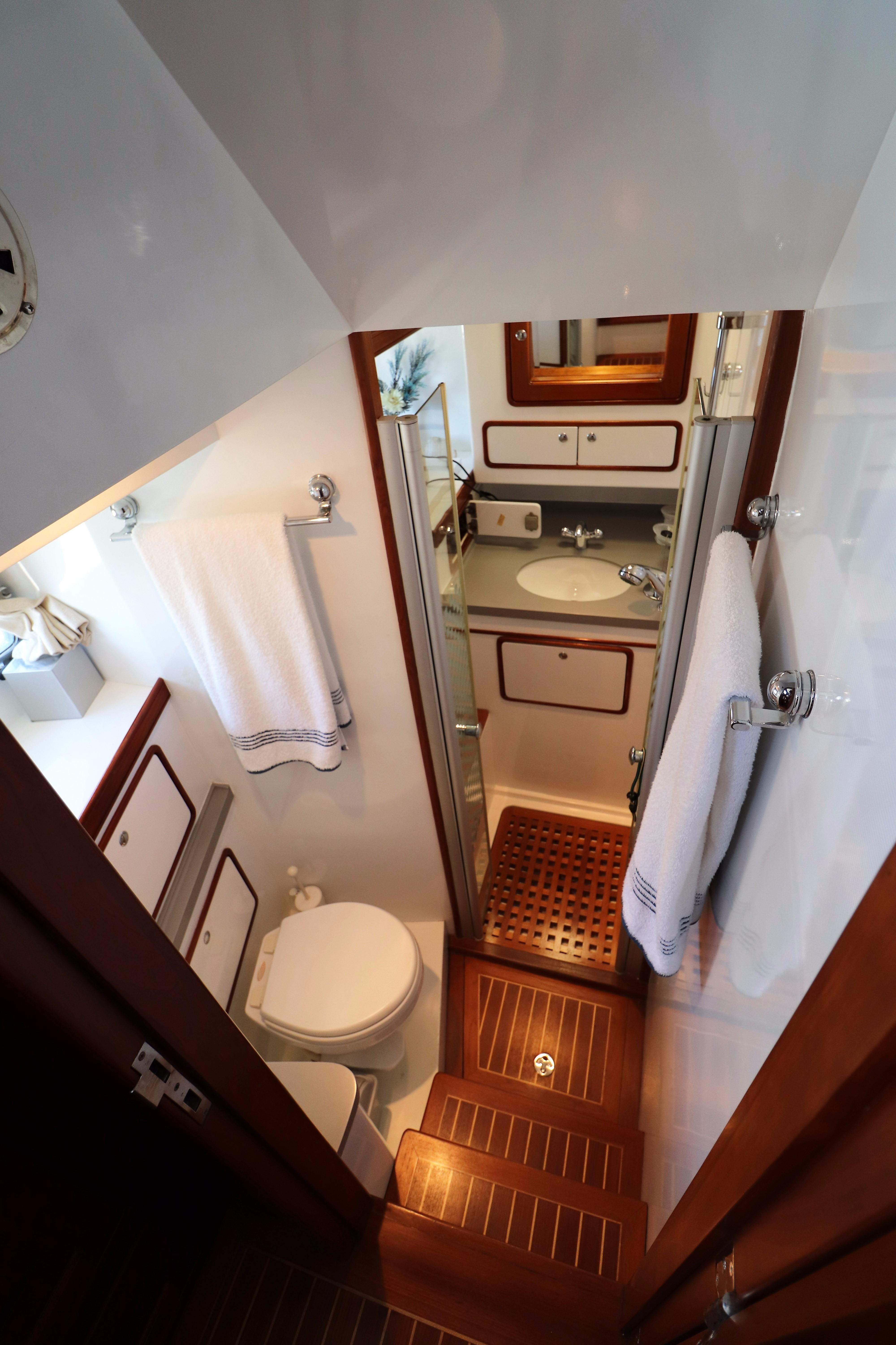 Starboard VIP Stateroom Head