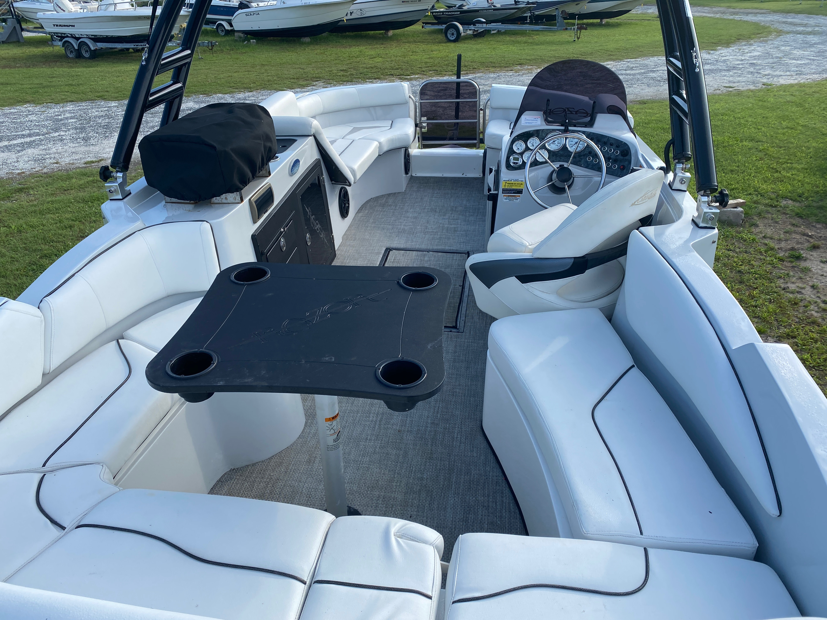 2019 Caravelle boat for sale, model of the boat is 219DD Deck Boat & Image # 5 of 14