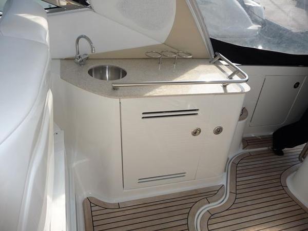 Sea Ray 370 Sundancer Sink & Storage