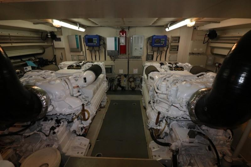 Twin MTU 1522 HP  Engines