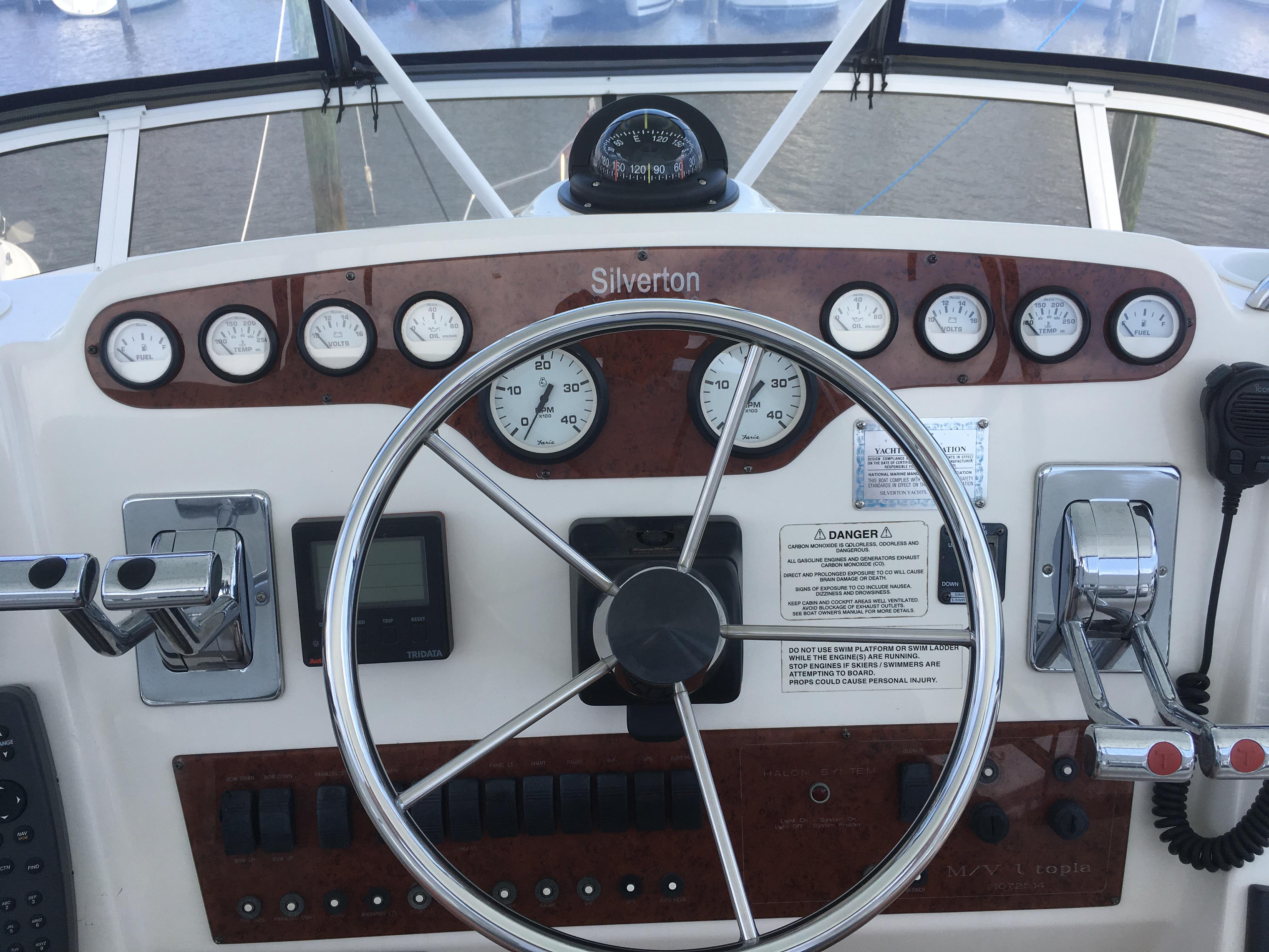Silverton 392 Motor Yacht - Photo: #19