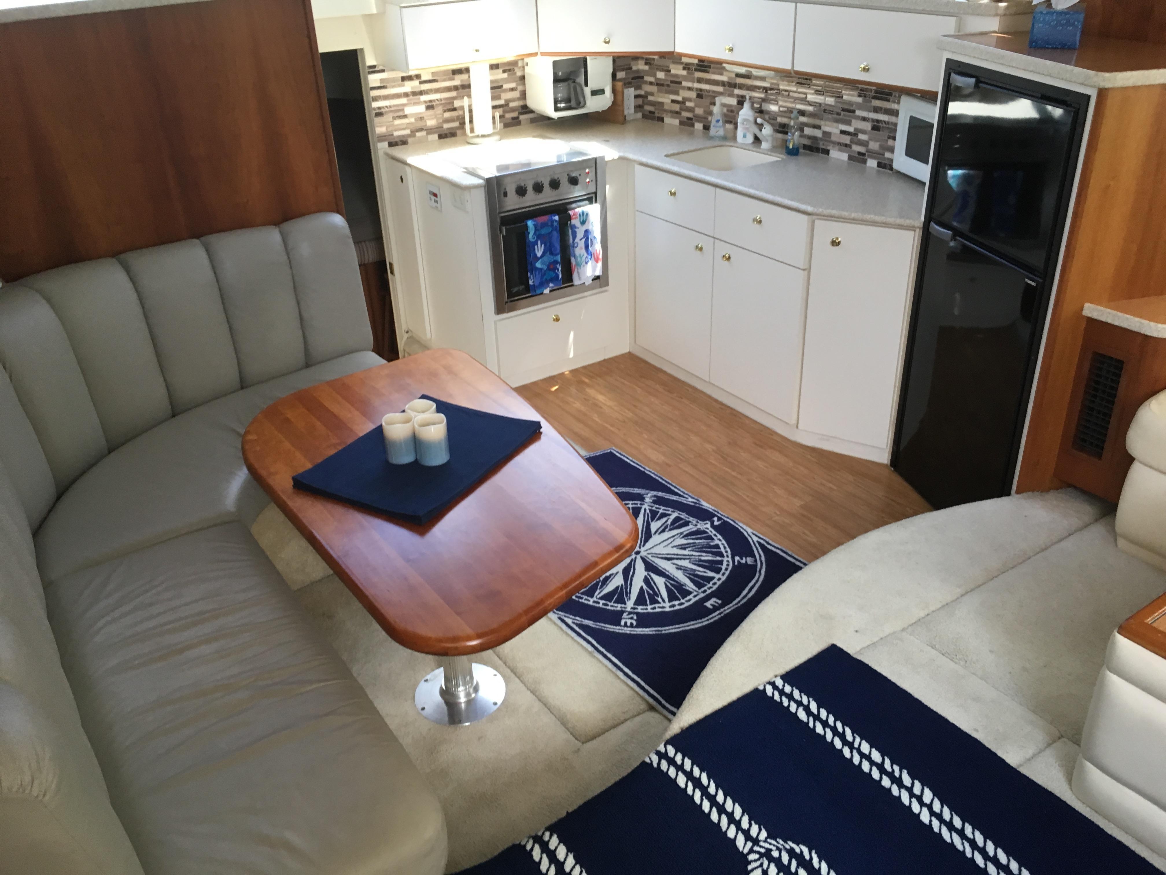 Silverton 392 Motor Yacht - Photo: #34