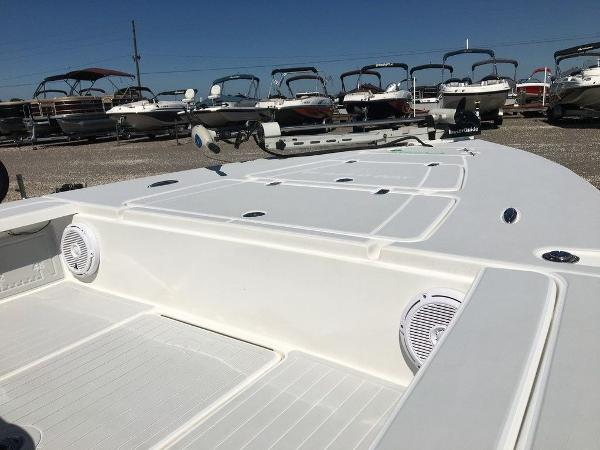 2017 Blazer boat for sale, model of the boat is 675 Ultimate Bay & Image # 9 of 12