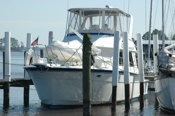 Hatteras 43 Convertible Convertible Boats. Listing Number: M-3149179