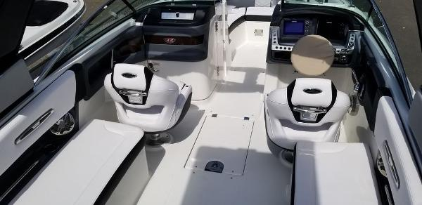 2020 Chaparral boat for sale, model of the boat is 277 SSX & Image # 3 of 20