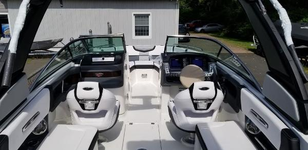 2020 Chaparral boat for sale, model of the boat is 277 SSX & Image # 12 of 20