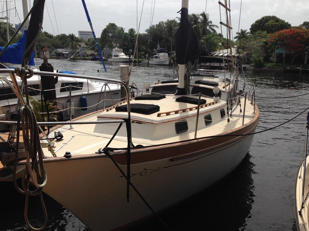 The Islander Freeport 36 Is A Safe And Fun Sailboat For The Entire Family.