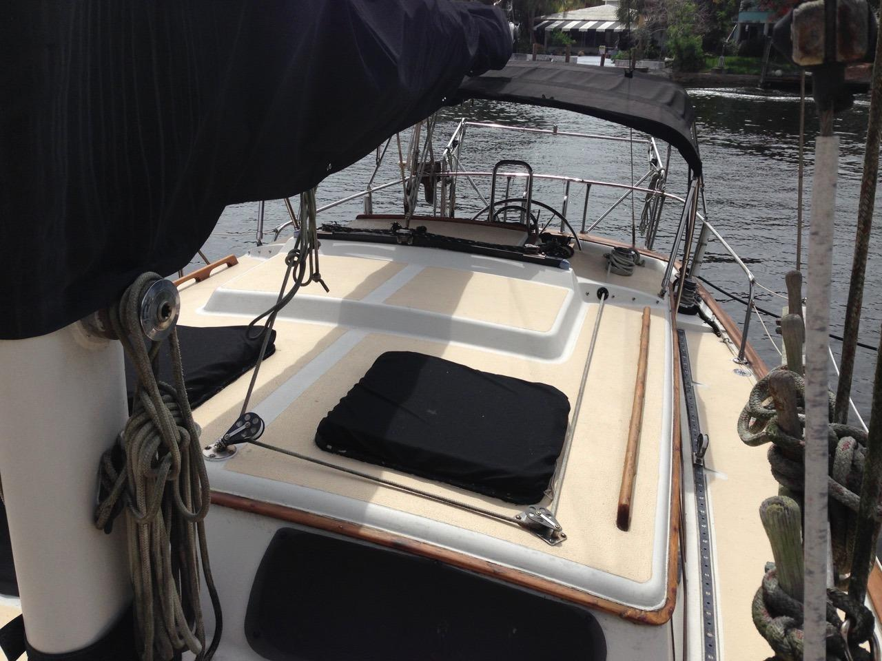 Located At Aft Starboard Side Of Saloon