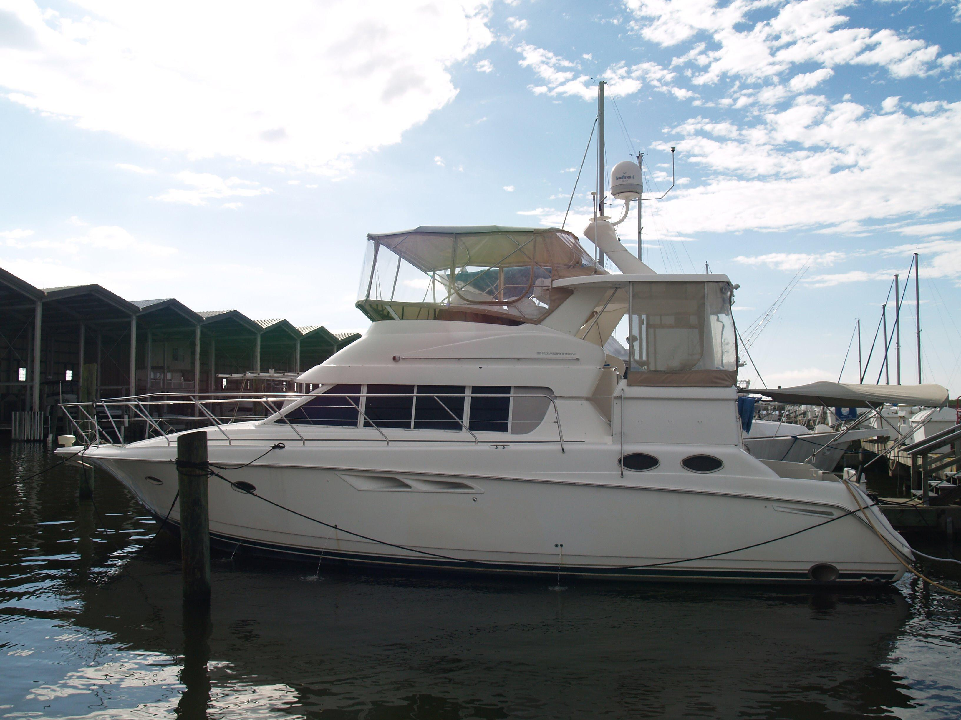 Used 1999 silverton 442 cockpit motor yacht for sale in for Silverton motor yachts for sale