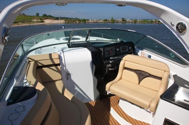 2013 Rinker boat for sale, model of the boat is 310 Express Cruiser & Image # 6 of 11