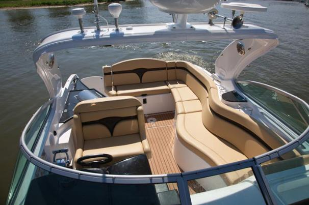 2013 Rinker boat for sale, model of the boat is 310 Express Cruiser & Image # 7 of 11