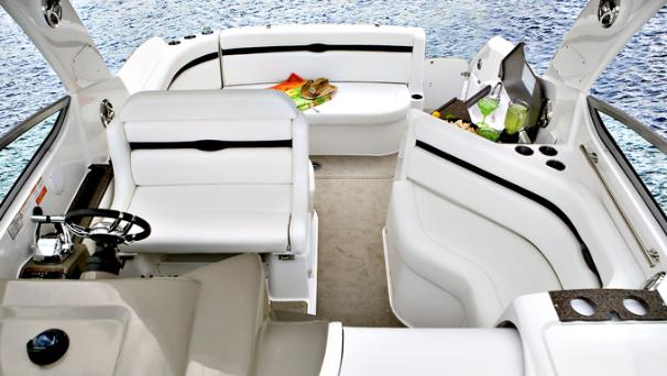 2014 Rinker boat for sale, model of the boat is 360 Express Cruiser & Image # 5 of 12