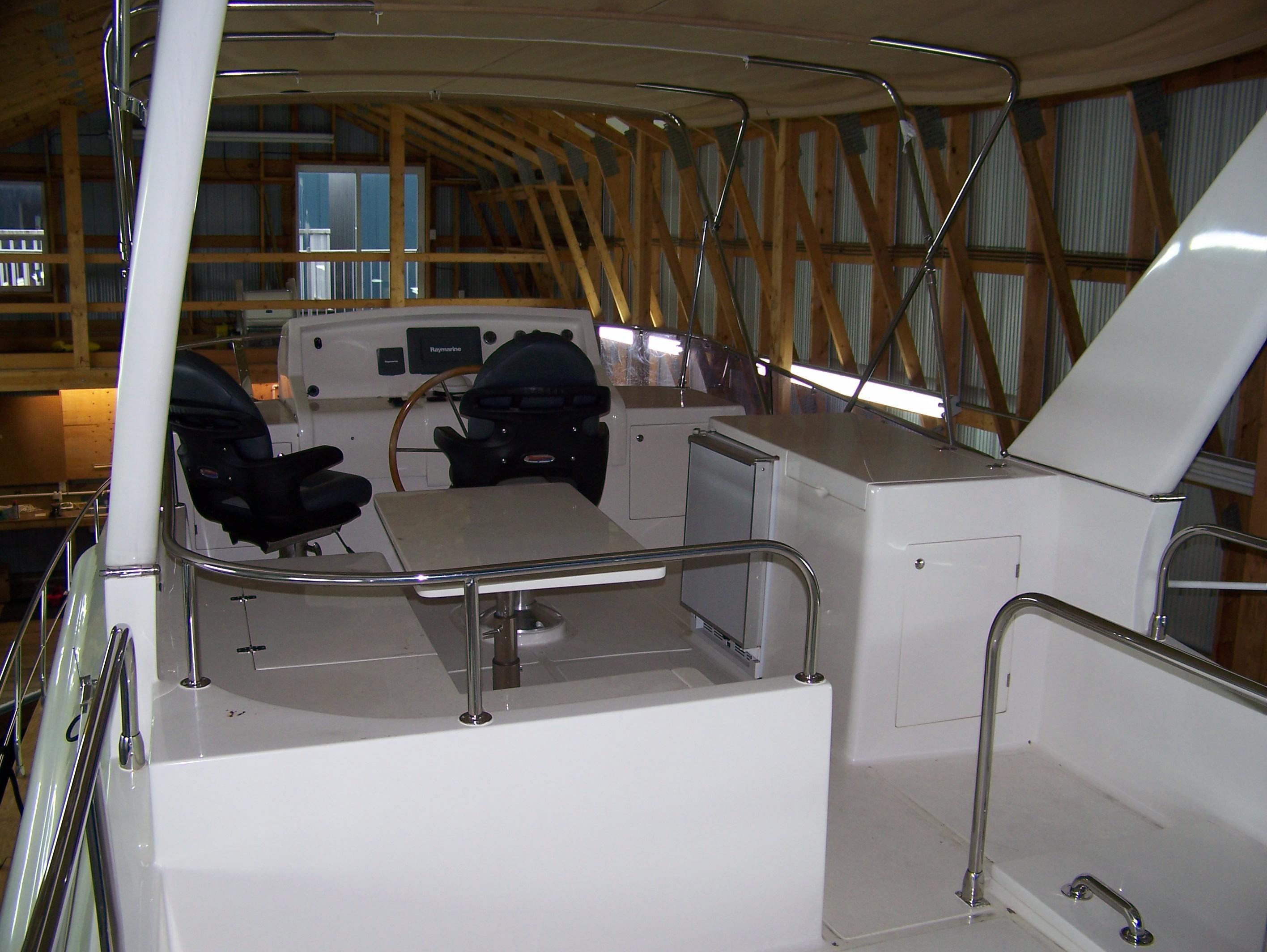 Bridge w folding radar arch