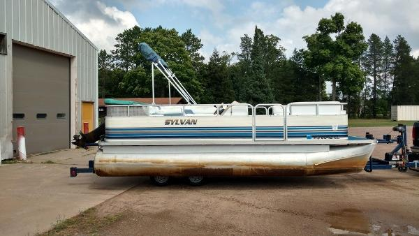 1997 SYLVAN 20' CRUISING PONTOON for sale