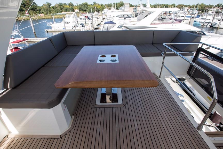 Flybridge Seating with Table