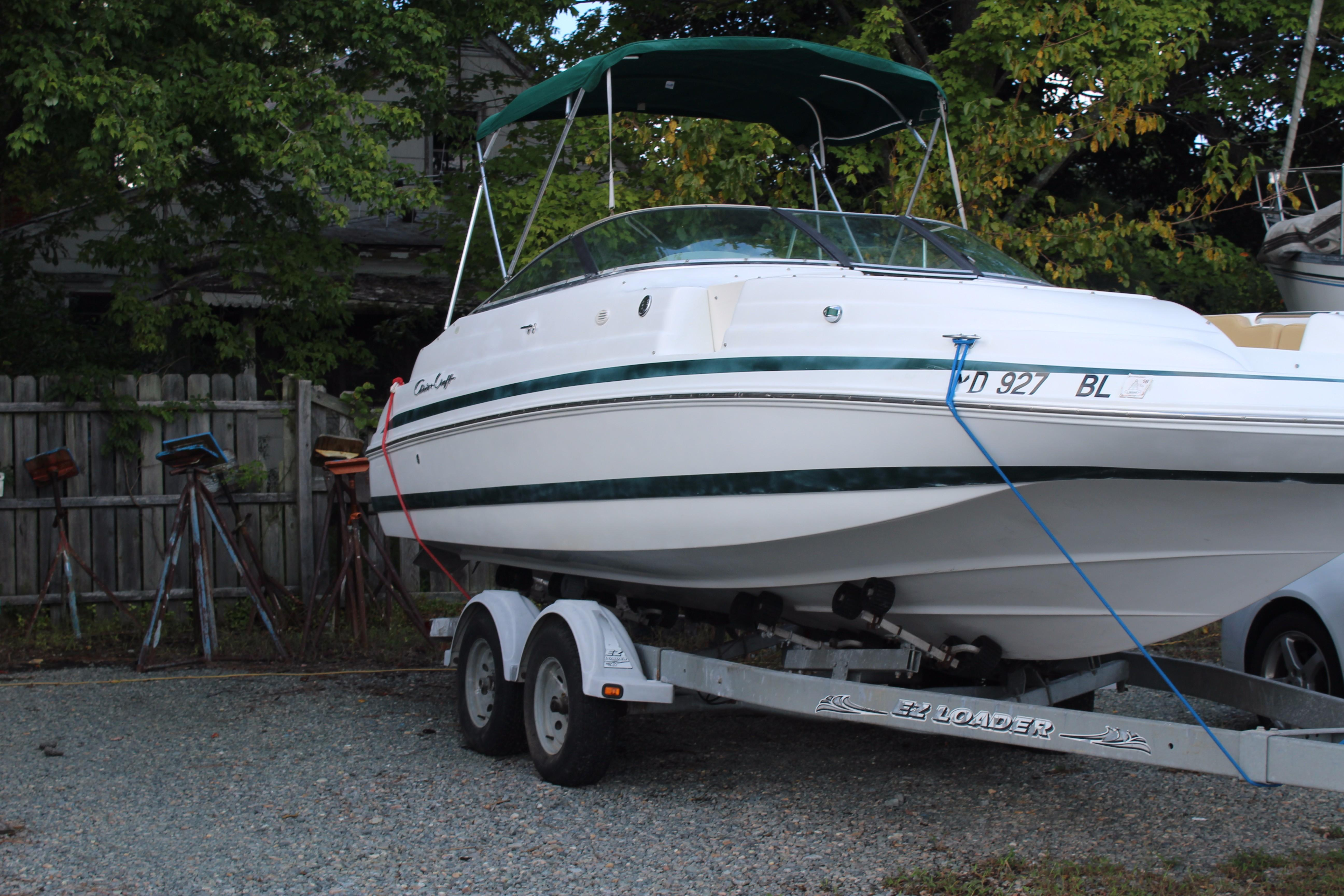 2001 Chris-Craft 232 | Powerboats for Sale