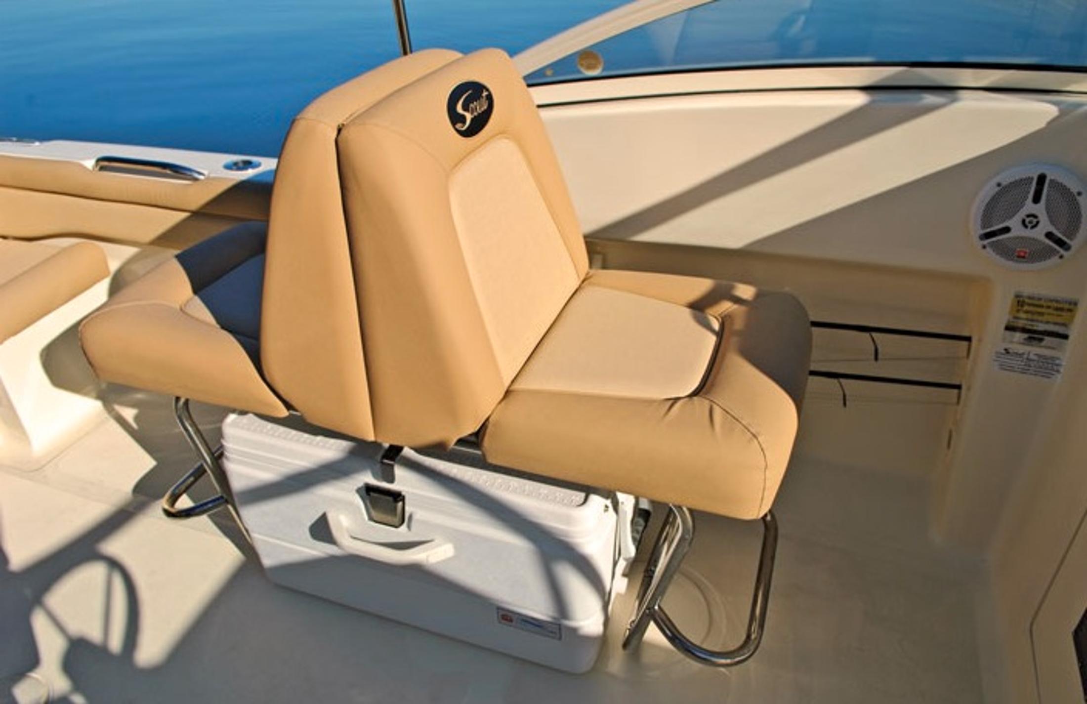 Scout Boats225 Dorado