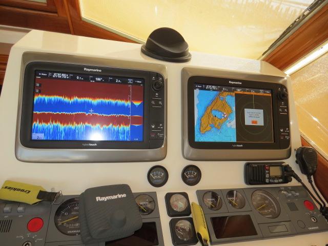 Raymarine GPS, Chart plotter Displays