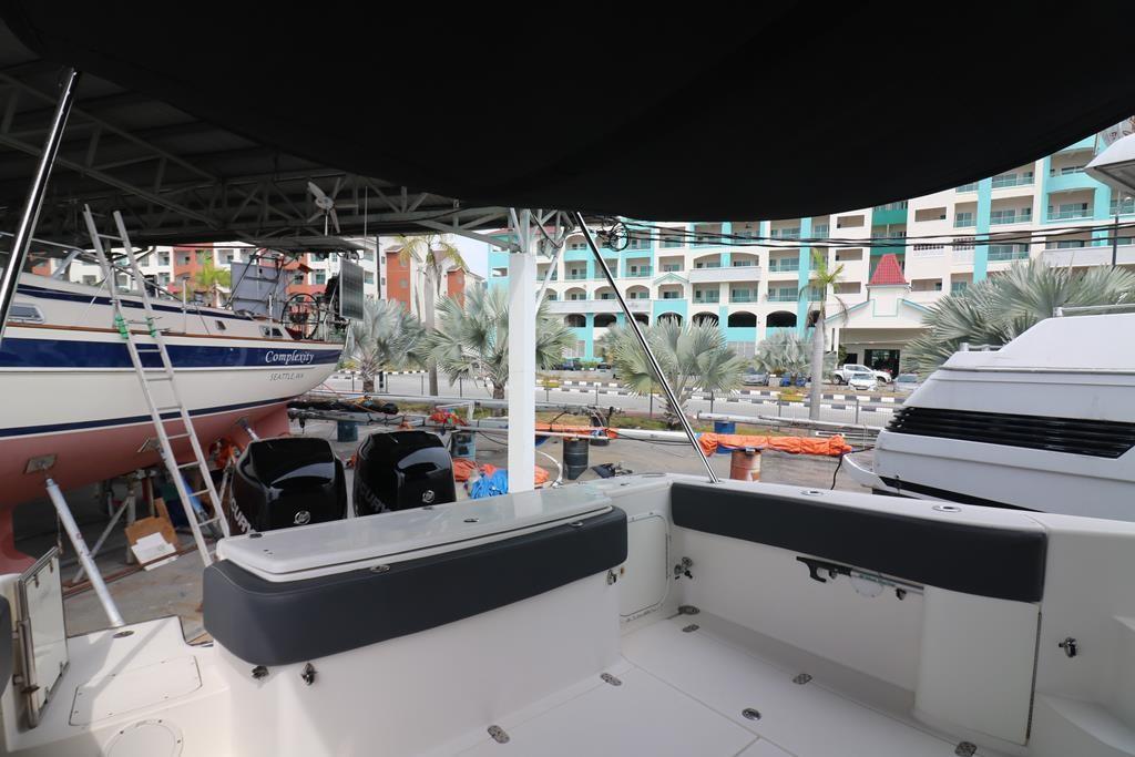 33 Sportfish Cruiser-14