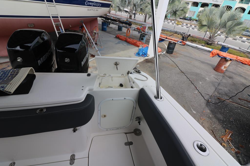 33 Sportfish Cruiser-19
