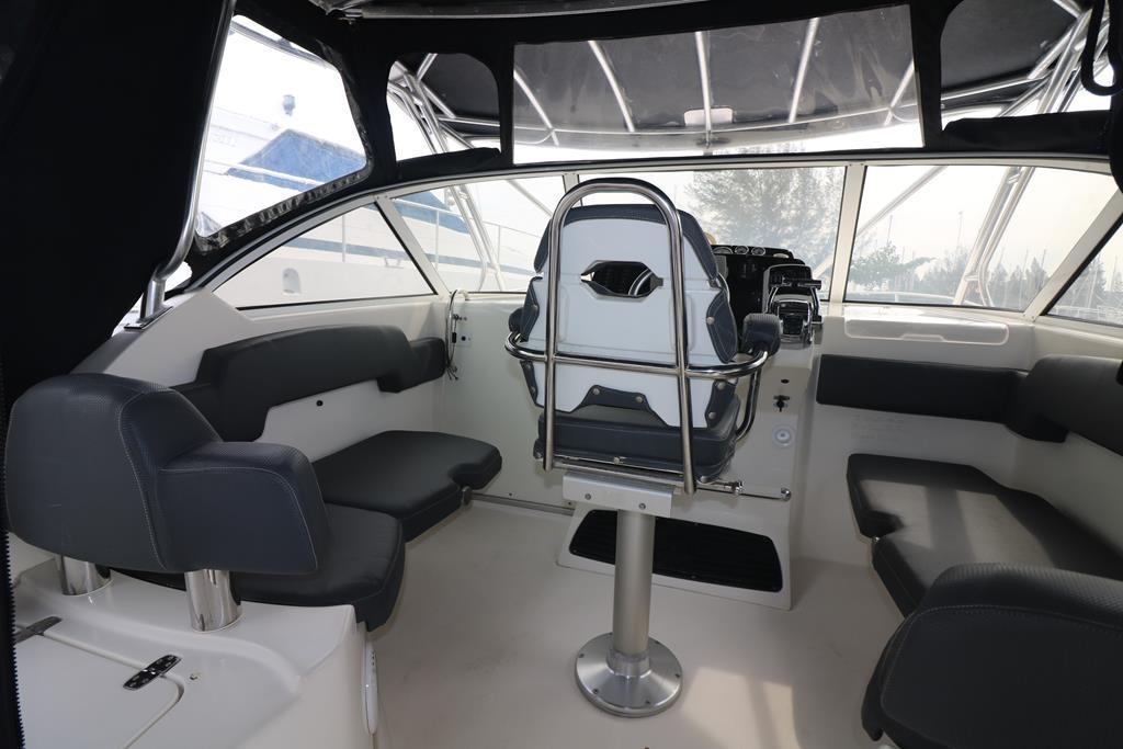 33 Sportfish Cruiser-21