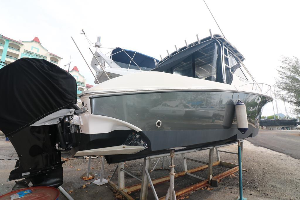 33 Sportfish Cruiser-8