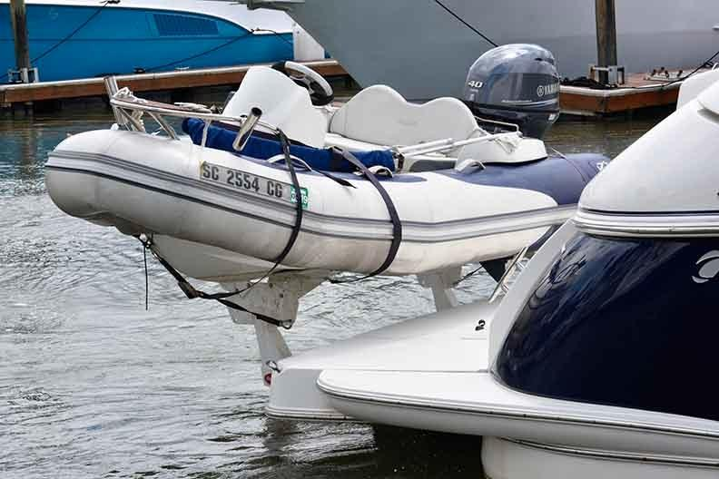 Cruisers Yachts 500 Express - Freedom Lift - tender not included
