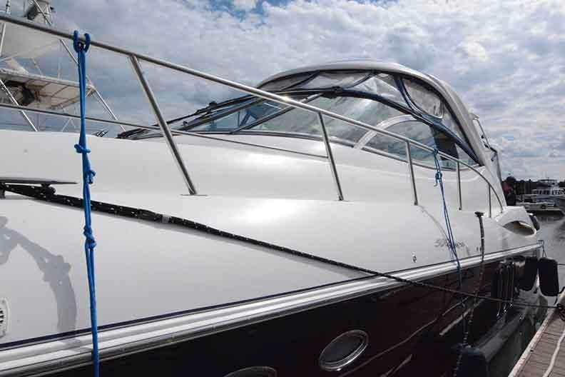Cruisers Yachts 500 Express - Port side looking aft