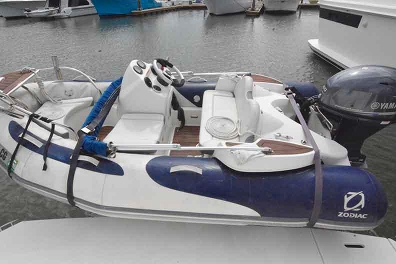 Cruisers Yachts 500 Express - Tender on Freedom lift - not included