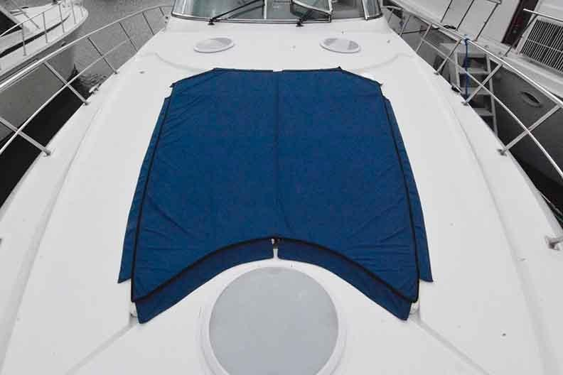 Cruisers Yachts 500 Express - Bow Sundeck looking aft