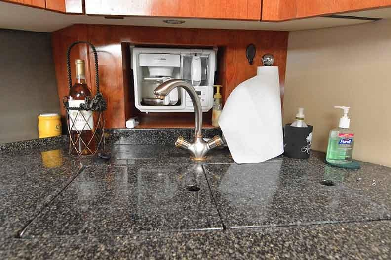 Cruisers Yachts 500 Express - Galley with Built in Coffee Maker