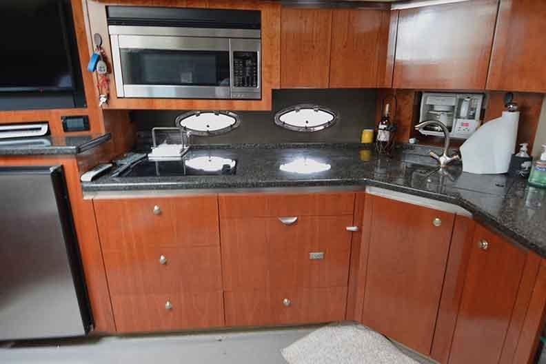 Cruisers Yachts 500 Express - Galley