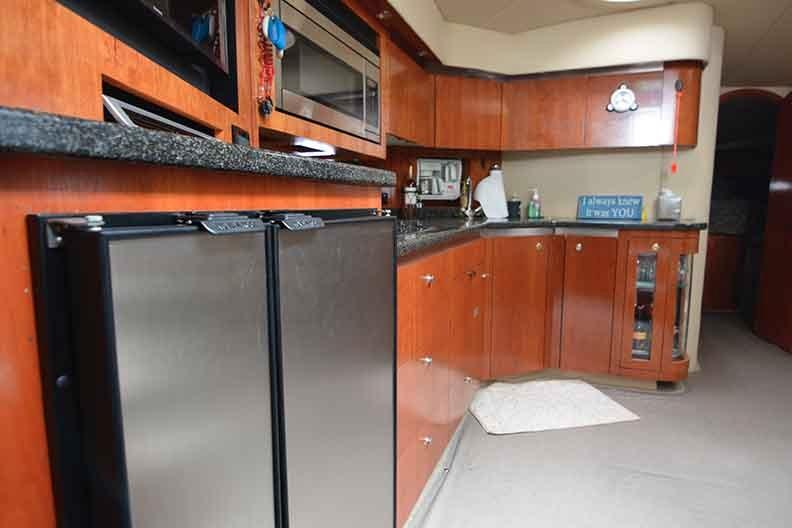 Cruisers Yachts 500 Express - Galley Shot
