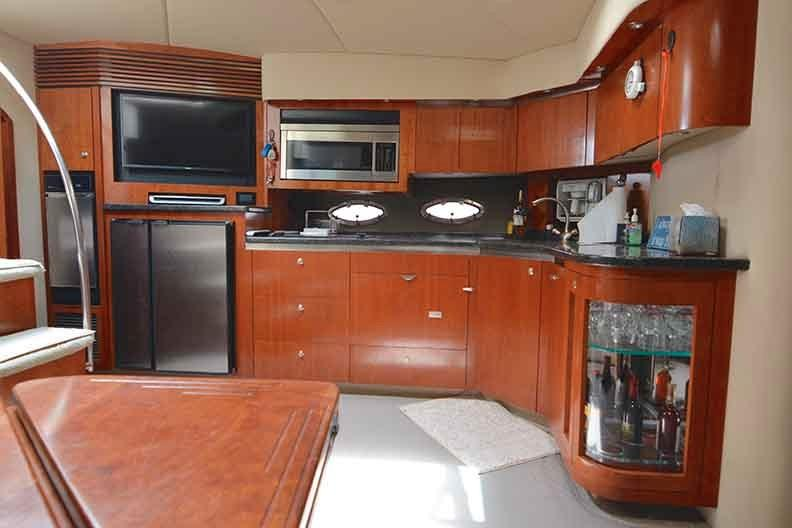 Cruisers Yachts 500 Express - Galley/Salon