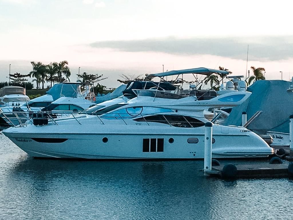 52.25 ft Flybridge 2011