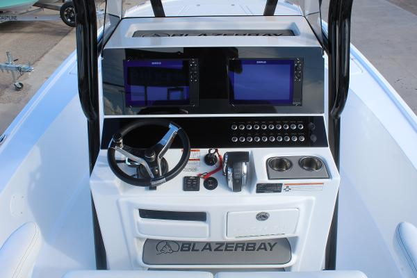 2020 Blazer boat for sale, model of the boat is 2700 HYBRID BAY & Image # 18 of 50