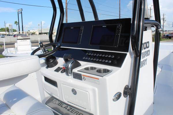 2020 Blazer boat for sale, model of the boat is 2700 HYBRID BAY & Image # 46 of 50