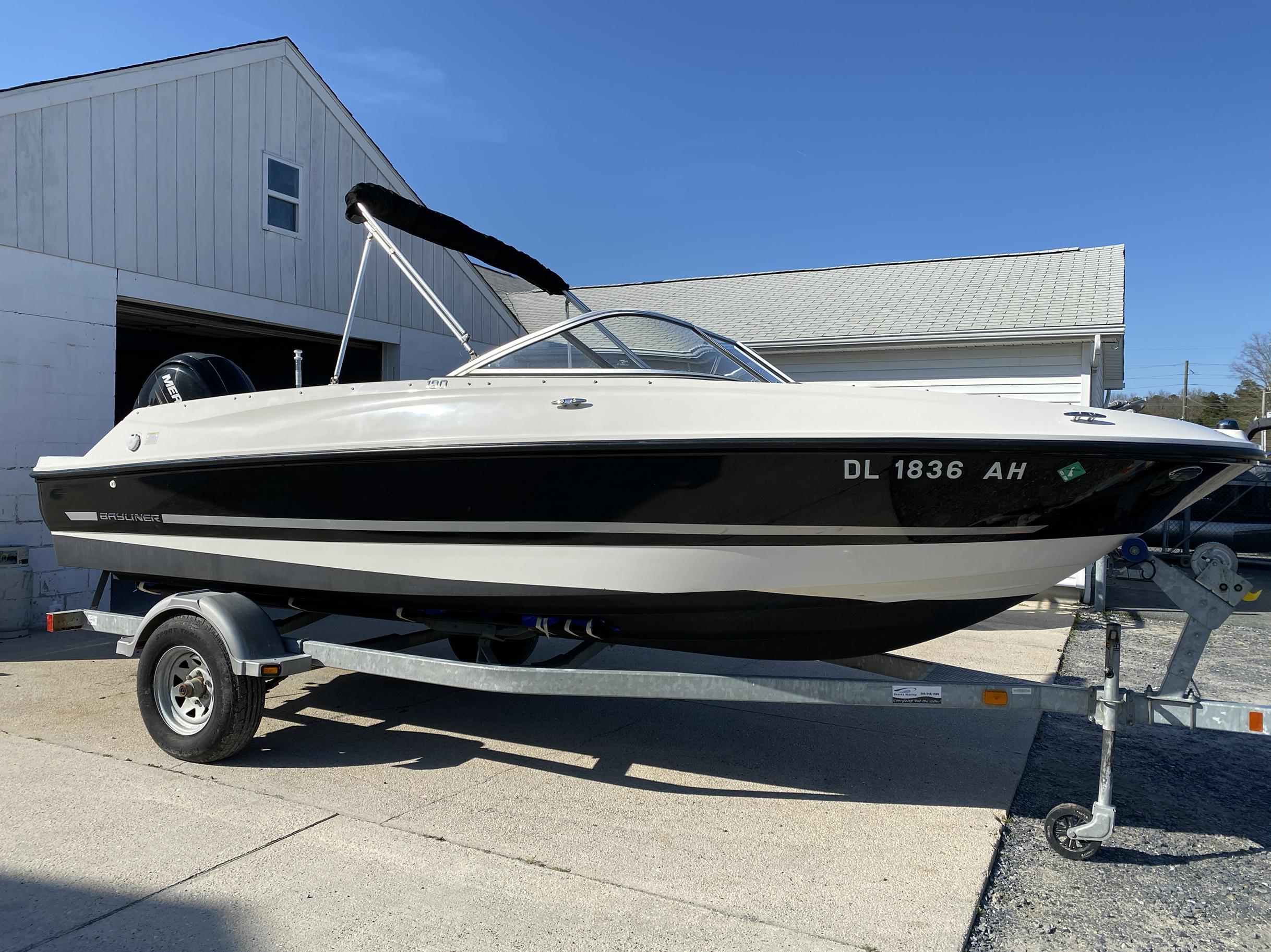 2014 Bayliner boat for sale, model of the boat is 190 Bowrider & Image # 1 of 10